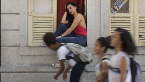 QUANTO CUSTA O BRASIL QUE NÃO LÊ: Jovens fora da escola levam o Brasil a perder R$151 bilhões por ano.
